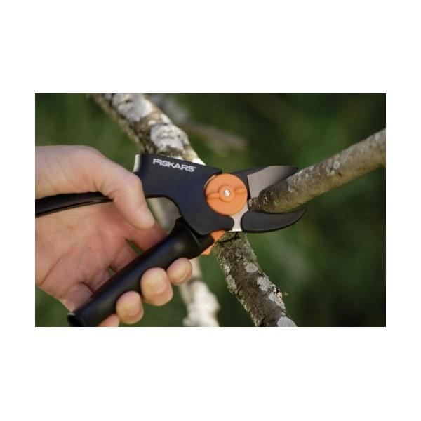 Секатор контактный с силовым приводом P91 (111510) FISKARS купить оптом и в розницу