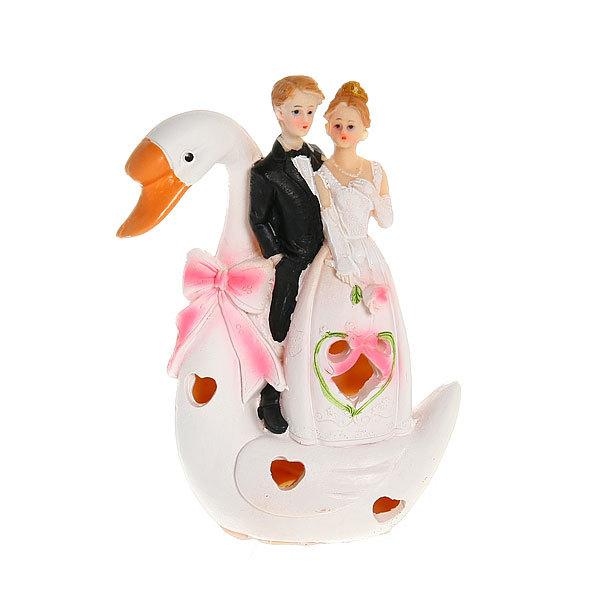 Статуэтка из полистоуна ″Жених и невеста″ На Лебеде с подсветкой 18см F189 купить оптом и в розницу