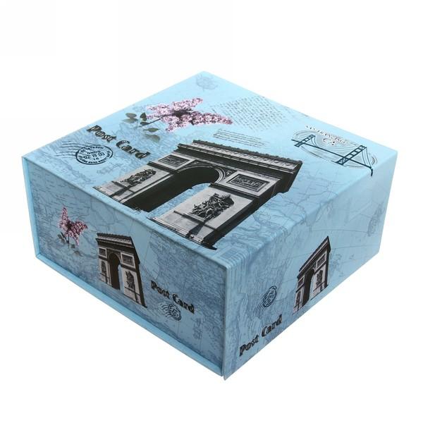 Коробка сборная 21,5*21*10,5см + магнит купить оптом и в розницу