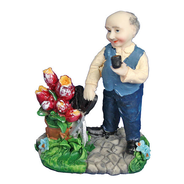 Фигурка ″Дедушка у цветника″ 10,5*7,5см 5872А купить оптом и в розницу