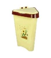 Контейнер для мусора 7л. (угловой)(уп.6) (Октябрьский) купить оптом и в розницу