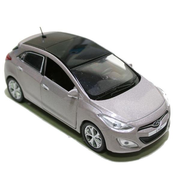 Модель Hyundai i30-2012 пласт.бокс 1:38 PS-03 купить оптом и в розницу