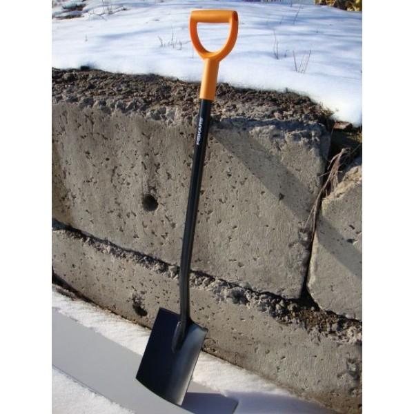 Лопата садовая с закругл.лезвием серии SolidTM (131403) FISKARS купить оптом и в розницу