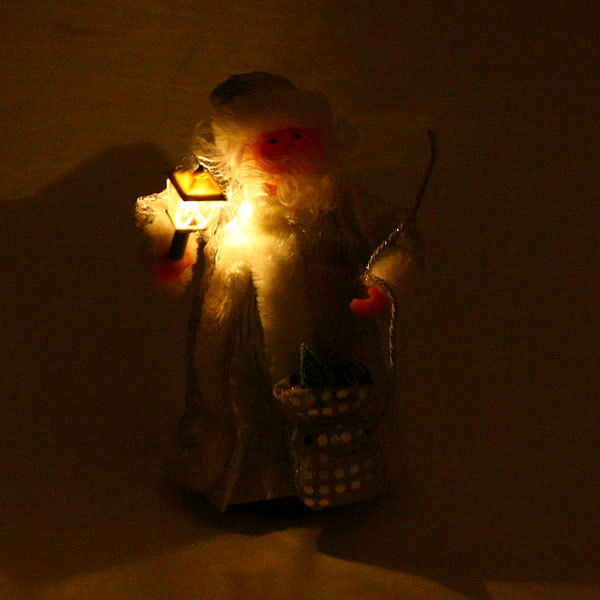 Дед Мороз музыкальный 25см с фонарем купить оптом и в розницу