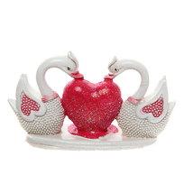 Фигурка из полистоуна ″Жемчужные Лебеди″ с сердцем 4,5*8см купить оптом и в розницу