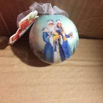 Ёлочный шар пластик с бантом 6 см ″С Новым годом!″ Дед Мороз и Снегурочка купить оптом и в розницу