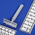 Станок для бритья ″Классика″ в картон. коробочке цвет металл h-7см 311-2 купить оптом и в розницу