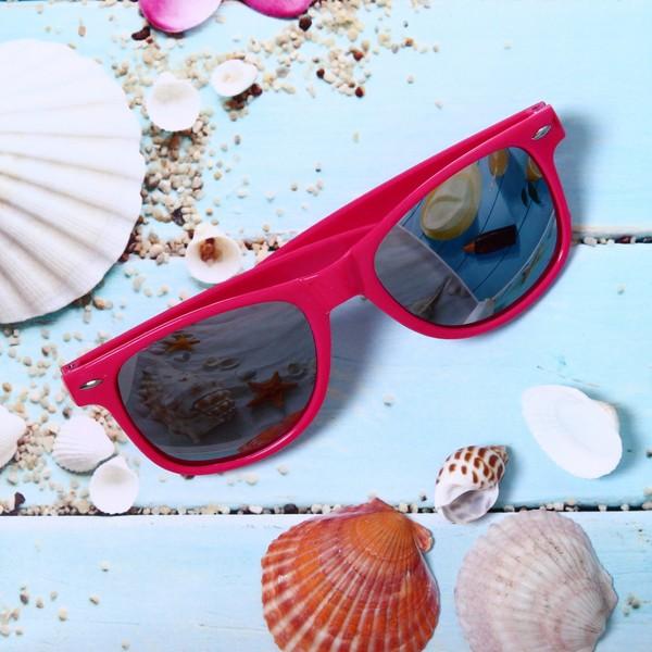 Очки солнцезащитные женские в чехле, зеркальные, форма прямоугольная
